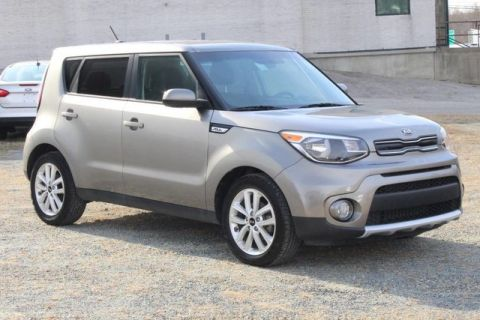 Pre-Owned 2018 Kia Soul + Front Wheel Drive Wagon 4 door